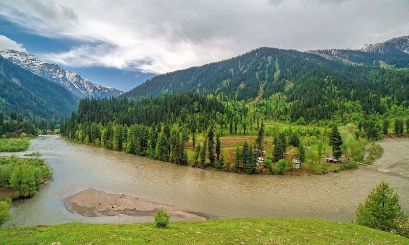 Neelum_Valley_AK.jpg