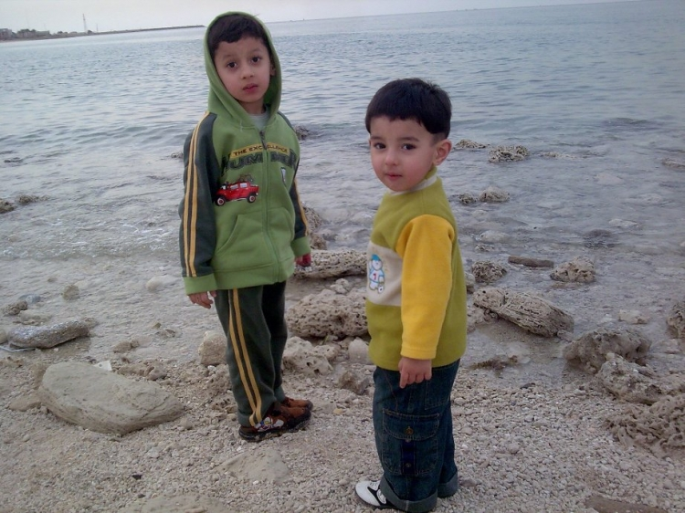 Mahd_and_Fahd_Siddiqui_at_Maseela_Beach_2.jpg