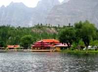 Shangrilla_Resorts_and_Lake