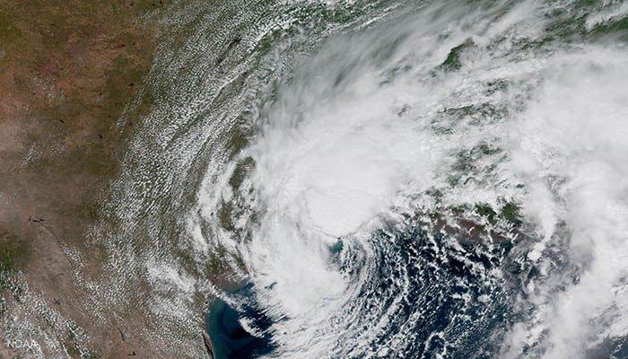 http://pakistanisinkuwait.com/images/cyclone.jpg